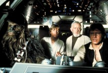 Peter Mayhew, Mark Hamill, Alec Guinness y Harrison Ford en 'La Guerra de las Galaxias'