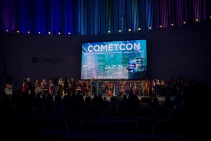 Todos los participantes del concurso de cosplay.